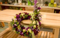 How to create a Bent Wreath Arrangement!