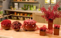 How to create Glitter, Gold and Snow Finishes on Fresh Flowers!