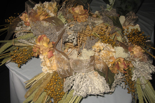 How to Create a Dried Flower Bundle Basket!