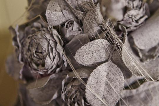 How to arrange flowers- Create a Creepy Halloween Centerpiece