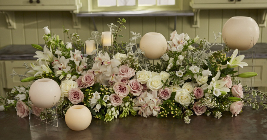 Neverwilt Triple Saddle and Vue 2 Candles Head Table Centerpiece on Fun with Flowers and J this week!