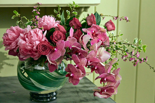 How-to-arrange-flowers_Orchid-and-Peony-Bouquet