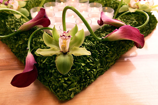 How to Arrange Flowers_Calla Lily and Cymbidium Wreath Centerpiece!