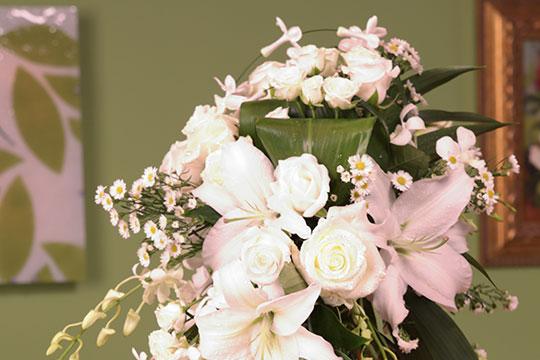 How To Arrange Flowers Hydrangea Wedding Bouquets