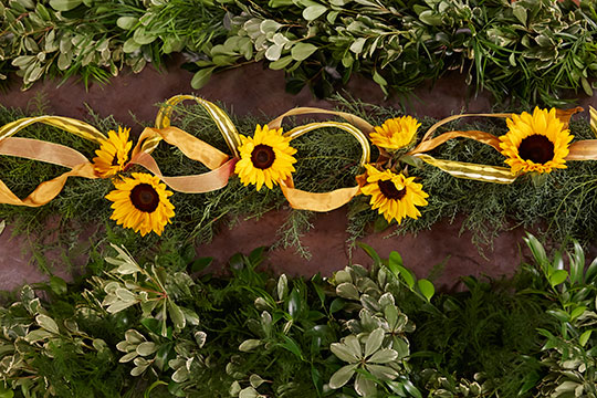 How to Arrange Flowers_Foliage Garlands
