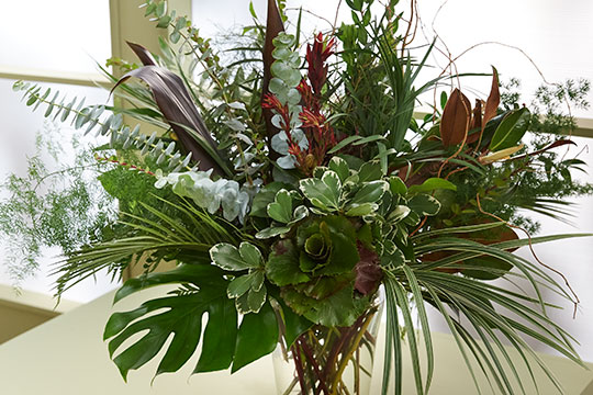 How to arrange an all foliage arrangement