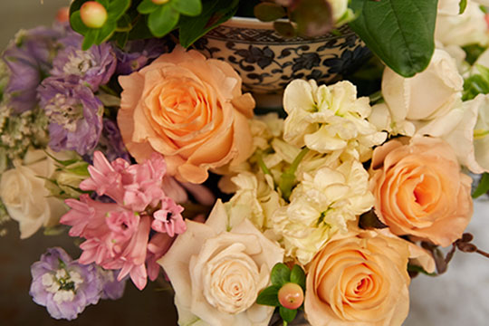 How to Arrange Flowers_Sepia Flower Bouquet