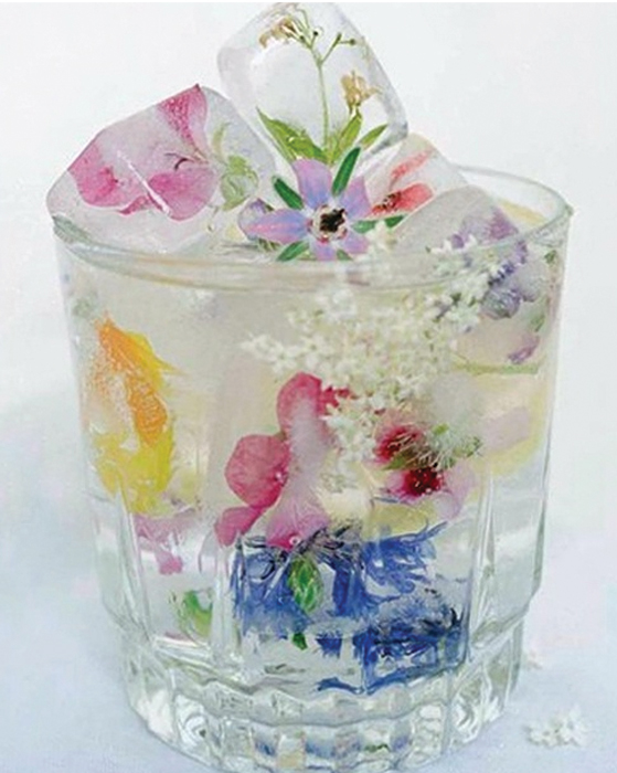 Create Flower Ice Cubes