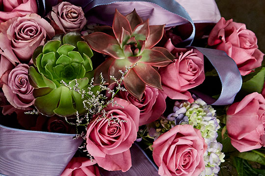 How to Arrange Flowers_Romantic Rose Centerpiece